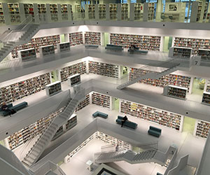 Photo inside of multistory library
